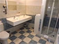Salle de bain Chambre 5 (2) Salle de bain